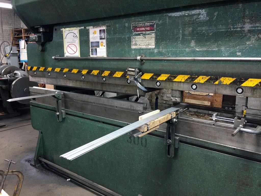 Press Break for Wire Bending